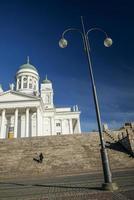 hito de la catedral de la ciudad de helsinki en la plaza del senado finlandia foto