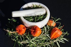 medicina alternativa con romero foto