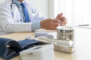 doctor en clínica ambulatoria foto