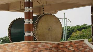 el lugar del uso del tambor para llamar a la gente a la oración foto