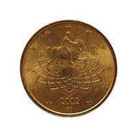 Moneda de 50 centavos, unión europea, italia aislado sobre blanco foto