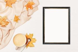 maqueta de otoño con marco negro a4 - 183 foto