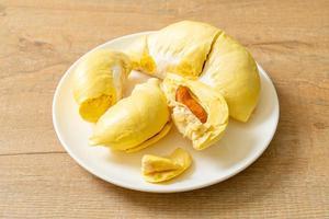 cáscara de durian fresca foto