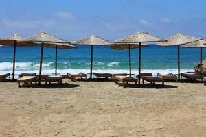falassarna playa de arena roja kissamos isla de creta temporada de vacaciones de verano foto