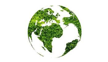 Globo verde del día de la tierra sobre fondo blanco aislado foto