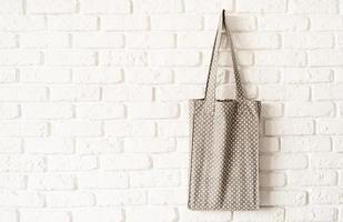 Mock up bolso tote de lunares gris eco hipster tela de algodón blanco foto