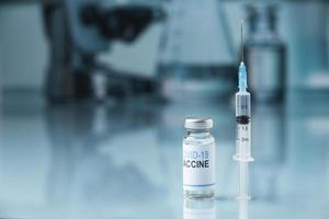 el covid bodegón con vacuna foto