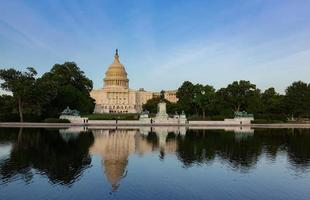 time lapse of the United states capitol building, Washington DC, USA. video