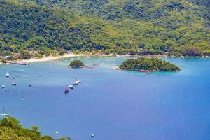gran isla tropical ilha grande abraao panorama de la playa brasil. foto