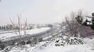 día de nieve en la autopista tem de estambul en cámara lenta dos veces video