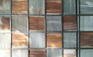 Fondo de patrón de textura de zinc oxidado viejo. foto