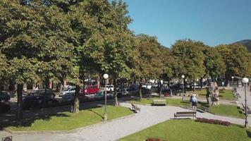 San pellegrino terme. fontein in de binnenstad video