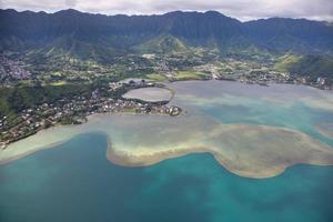toma aérea de oahu hawaii foto