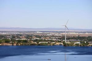 lagos y molinos de viento americanos foto