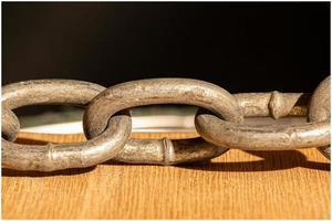 tres eslabones de cadena pesada foto