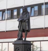 El monumento de Leibniz al filósofo alemán Gottfried Wilhelm Leibniz en Leipzig, Alemania foto
