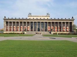 Altesmuseum, el museo de antigüedades construido en 1830 en Berlín, Alemania foto
