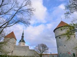 Torre de artillería de seis pisos en Tallin, Estonia foto