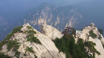 pabellón de ajedrez en la cima de la montaña huashan, china foto