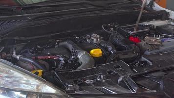 lavado y limpieza de motor de coche reparado video