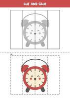 juego de cortar y pegar para niños. lindo reloj despertador rojo. vector