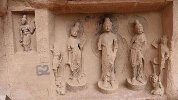 Escultura de grutas budistas en Bingling Temple Lanzhou Gansu, China foto