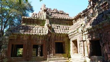 Stone ruin at Banteay Kdei, Angkor wat complex, Siem Reap photo