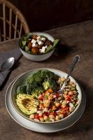 delicioso surtido de comidas ricas en proteínas foto