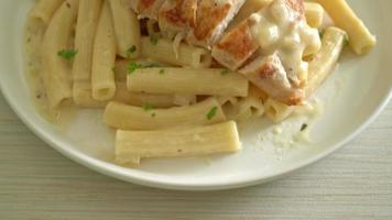 homemade quadrotto penne pasta white creamy sauce with grilled chicken video