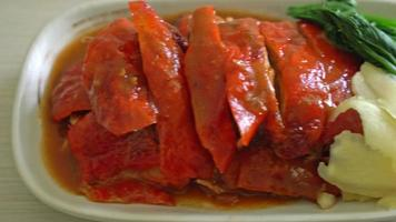 canard laqué ou canard rôti sauce rouge barbecue video