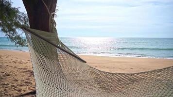 balancer sur la plage video