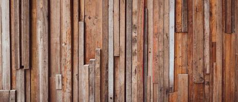 imagen de banner de piezas de madera hechas en la pared foto