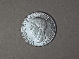 antigua lira italiana con el rey vittorio emanuele iii foto