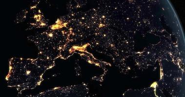 L'Europe la nuit sur la planète Terre tournant depuis l'espace video