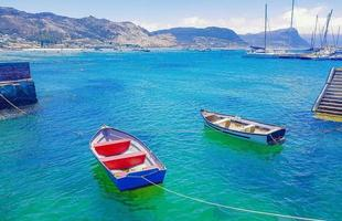yates portuarios false bay simons town ciudad del cabo sudáfrica. foto
