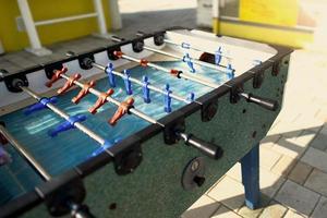 juego de futbol de mesa original vintage. futbolín foto