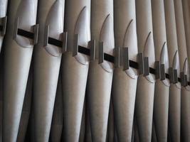 tubos de un órgano de tubos de la iglesia foto