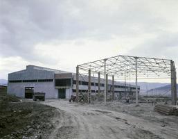Varias maquinarias y equipos utilizados en la producción industrial. foto