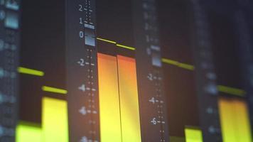 Kontrollleuchten des digitalen Audiomischers video