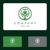 manos humanas y árbol con hojas verdes. ilustración vectorial logo vector