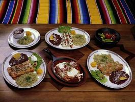 comida mexicana de diferentes sabores foto