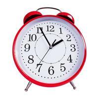 reloj despertador rojo redondo foto
