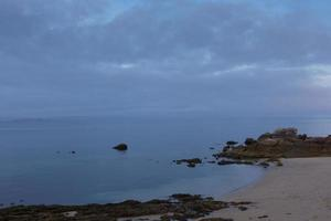día nublado en el océano atlántico, tranquilidad, reflexión foto