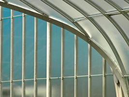 Hermoso fondo de armadura de techo de acero inoxidable foto