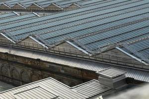techo de la casa de acero inoxidable con vidrio transparente foto
