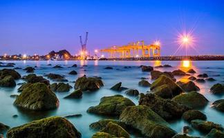 Puerto de Prachuap, provincia de Prachuap Khiri Khan en el sur de Tailandia foto