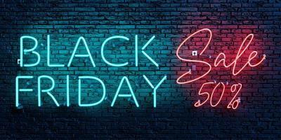 venta de viernes negro 50 por ciento letrero de neón foto