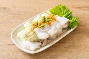 Kow Griep Pag Mor - Pork Steamed Rice Parcels photo