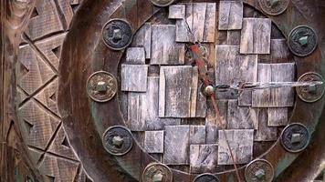 classico vecchio orologio in legno video