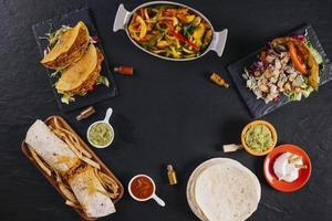 composición de la comida mexicana foto
